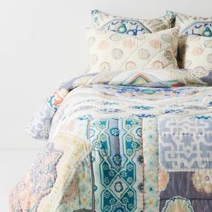 Anthropologie King Quilt Reversible Ponosby NEW
